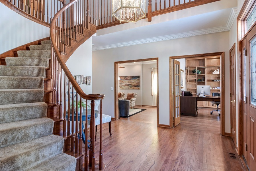 Real Estate Photography - 6217 Pine Cone Ct, Long Grove, IL, 60047 - Entryway