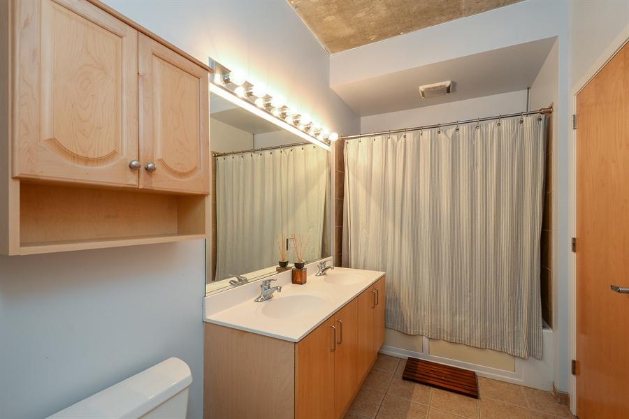Real Estate Photography - 321 S Sangamon, 407, Chicago, IL, 60607 - Bathroom