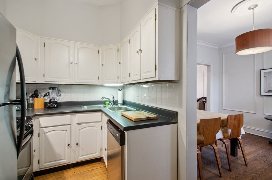 Real Estate Photography - 456 W Surf, 3R, Chicago, IL, 60657 - Kitchen / Dining Room