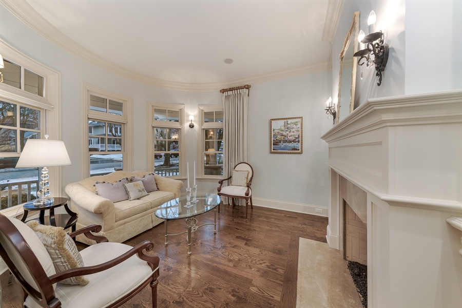 Real Estate Photography - 415 S. Adams St., Hinsdale, IL, 60521 - Living Room
