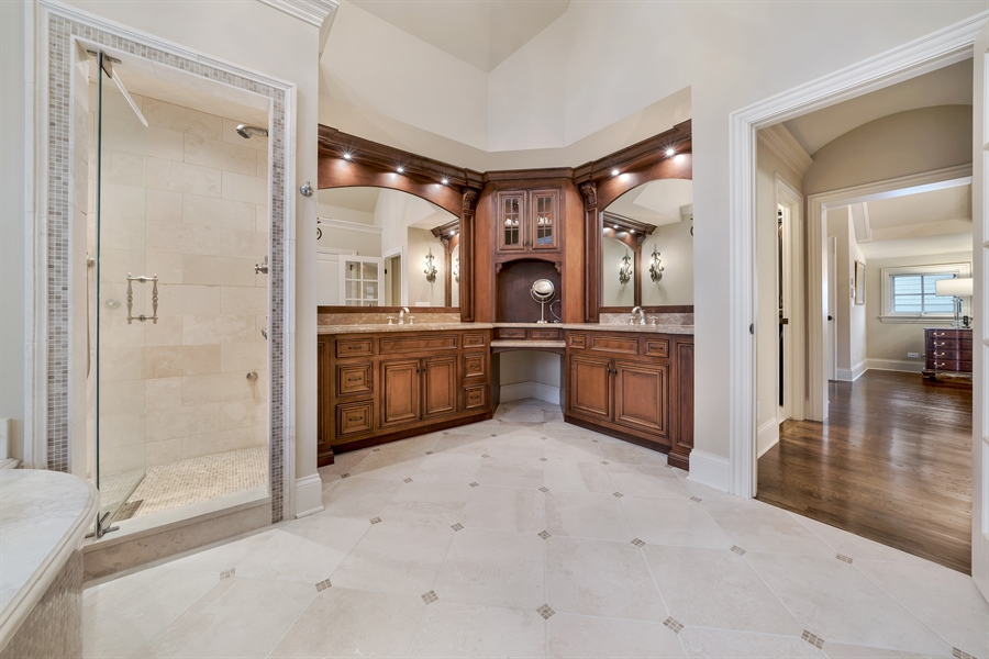Real Estate Photography - 415 S. Adams St., Hinsdale, IL, 60521 - Master Bathroom