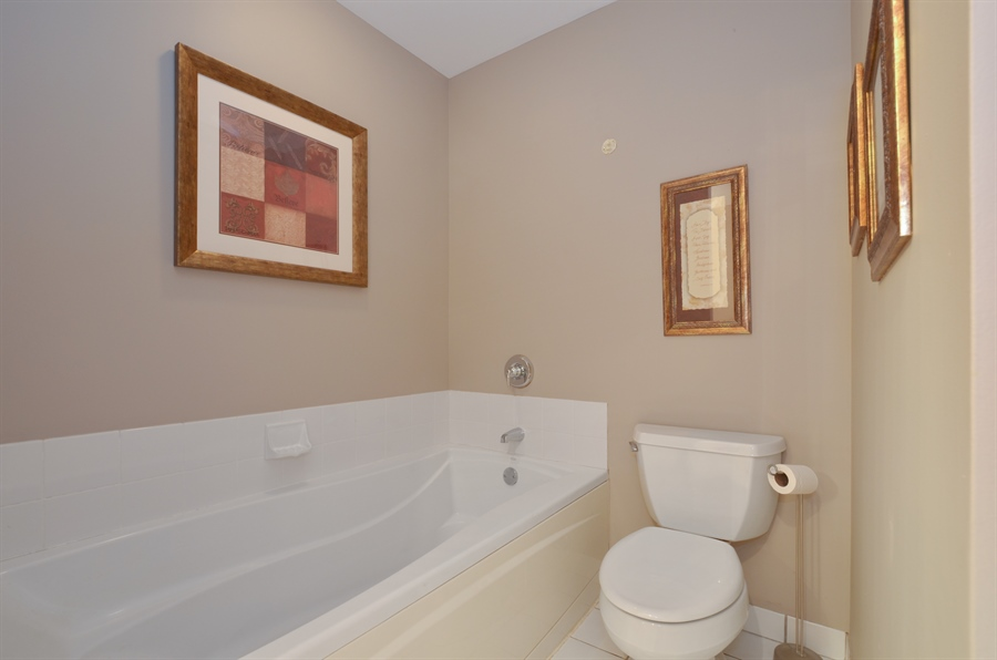 Real Estate Photography - 77 S Evergreen Ave, 503, Arlington Heights, IL, 60005 - Master Bathroom