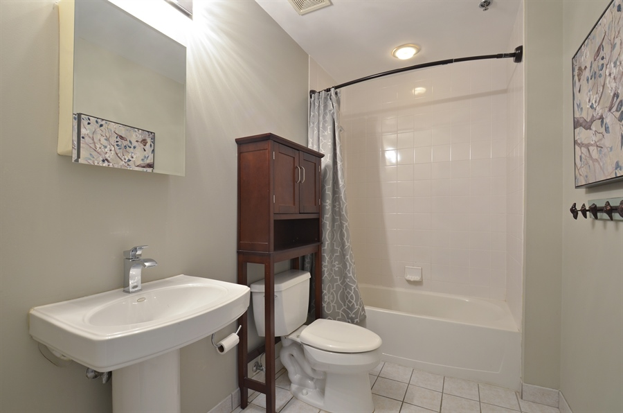 Real Estate Photography - 77 S Evergreen Ave, 503, Arlington Heights, IL, 60005 - 2nd Bathroom