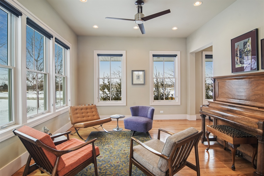 Real Estate Photography - 1 Anne Ct., Hawthorn Woods, IL, 60047 - Living Room