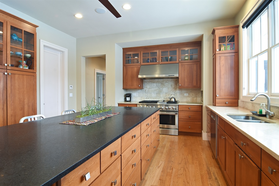 Real Estate Photography - 1 Anne Ct., Hawthorn Woods, IL, 60047 - Kitchen