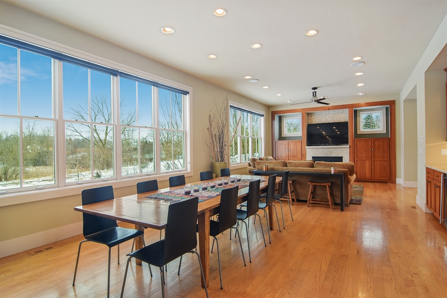 Real Estate Photography - 1 Anne Ct., Hawthorn Woods, IL, 60047 - Great Room