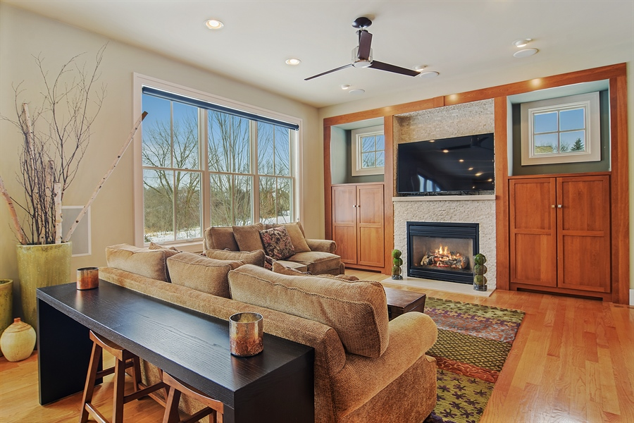 Real Estate Photography - 1 Anne Ct., Hawthorn Woods, IL, 60047 - Family Room