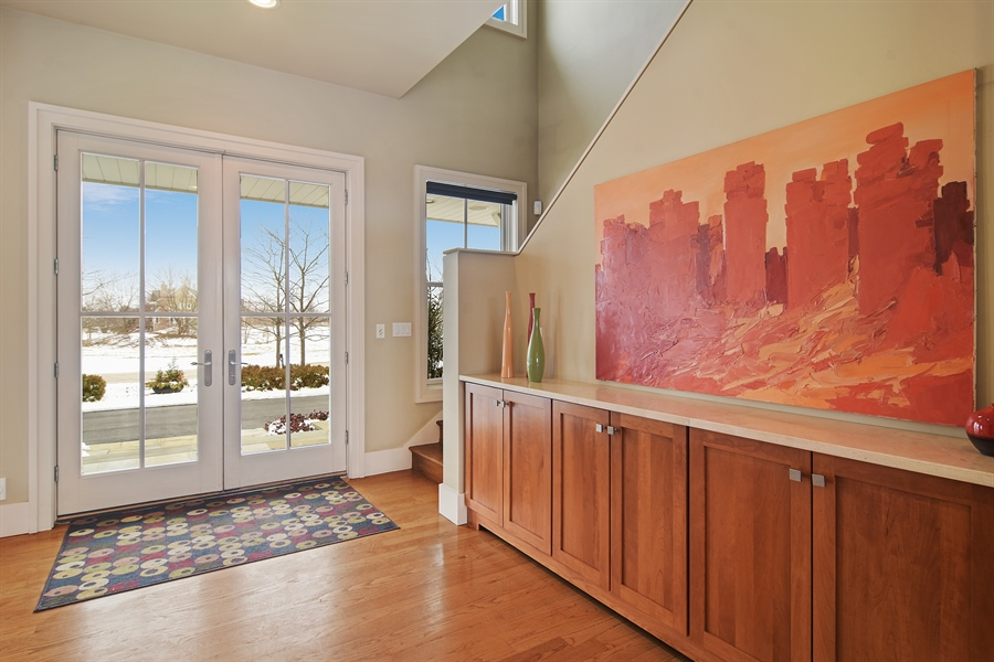 Real Estate Photography - 1 Anne Ct., Hawthorn Woods, IL, 60047 - Foyer