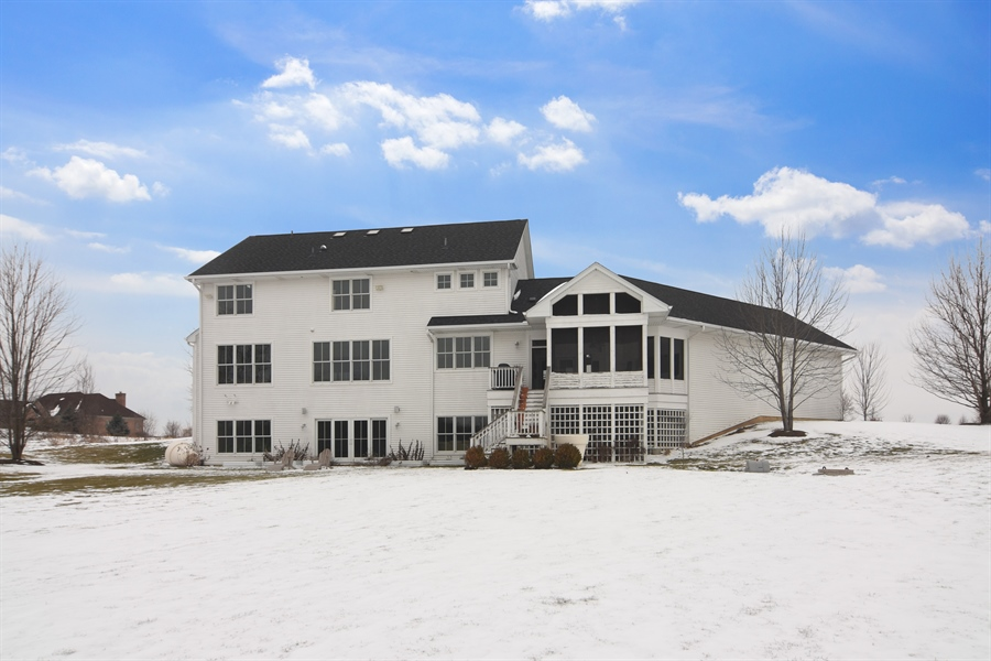 Real Estate Photography - 1 Anne Ct., Hawthorn Woods, IL, 60047 - Rear View
