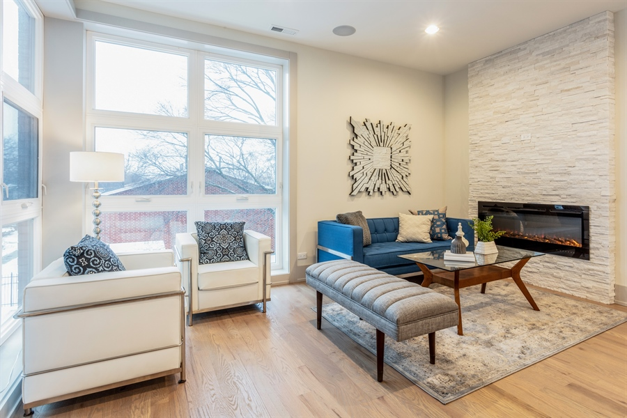 Real Estate Photography - 1213 E. 46th Street, 1, Chicago, IL, 60653 - Living Room