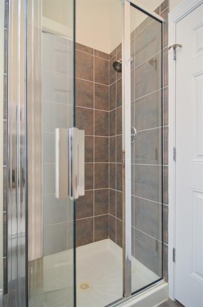 Real Estate Photography - 454 Armitage, 3, Chicago, IL, 60614 - Bathroom