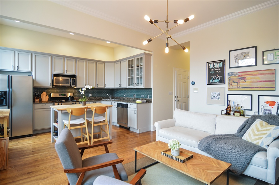 Real Estate Photography - 454 Armitage, 3, Chicago, IL, 60614 - Kitchen / Living Room