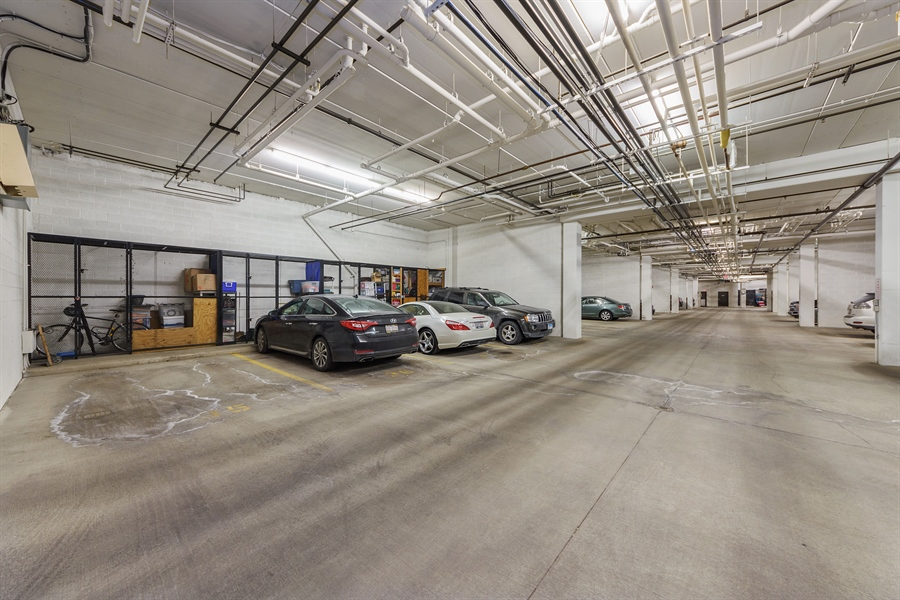 Real Estate Photography - 225 Main st, 307, Roselle, IL, 60172 - Garage