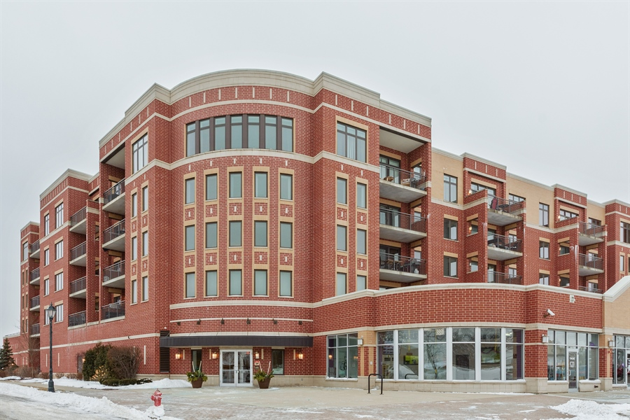 Real Estate Photography - 225 Main st, 307, Roselle, IL, 60172 - Front View