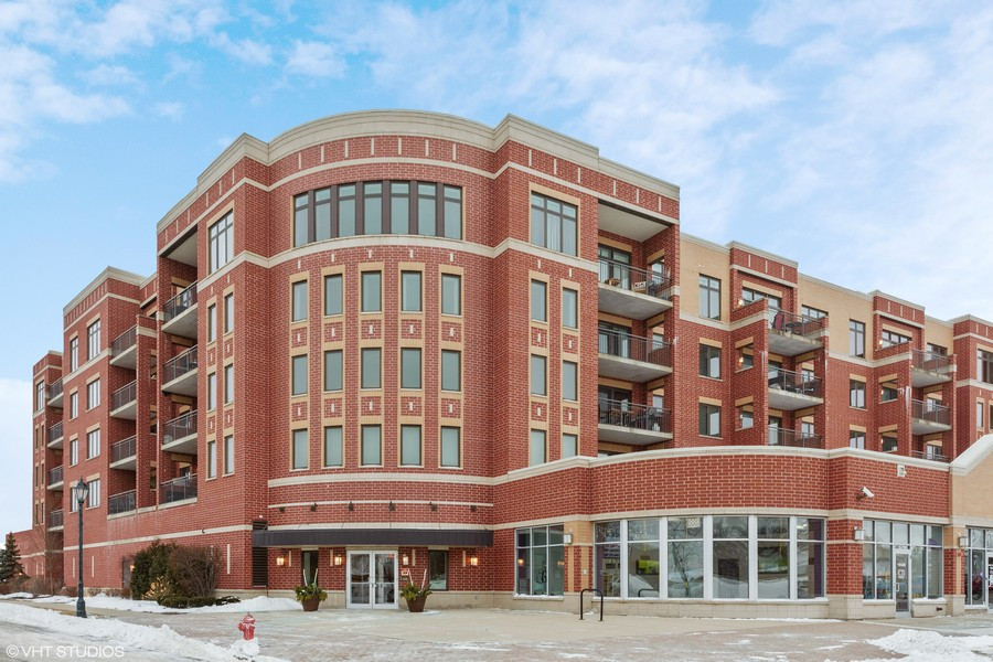 Real Estate Photography - 225 Main st, 307, Roselle, IL, 60172 -