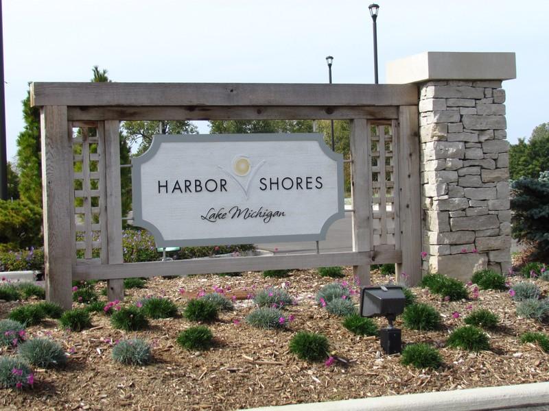 Real Estate Photography - 495 Ridgeway, St Joseph, MI, 49085 - Harbor Shores Golf Course Near By