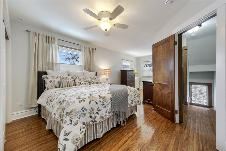 Real Estate Photography - 1421 Walnut Street, WESTERN SPRINGS, IL, 60558 - Master Bedroom