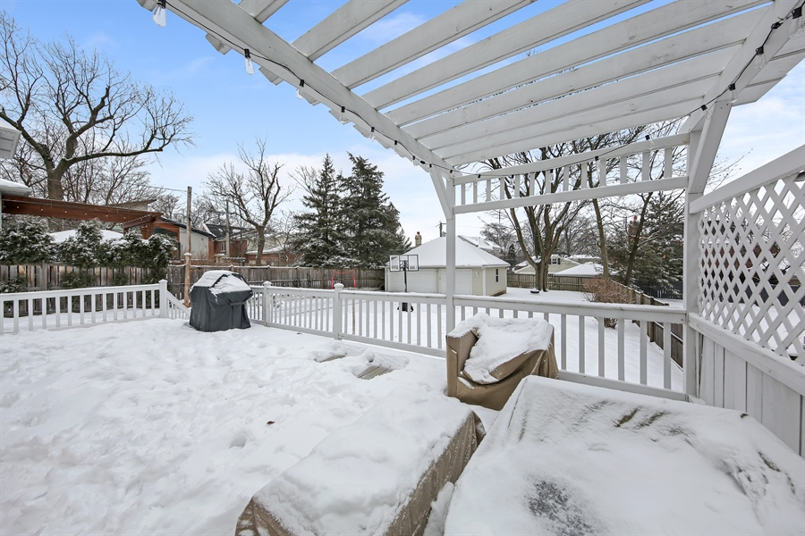 Real Estate Photography - 1421 Walnut Street, WESTERN SPRINGS, IL, 60558 - Deck