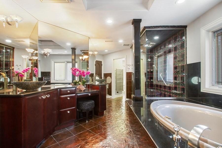 Real Estate Photography - 6455 N Sauganash Ave, Lincolnwood, IL, 60712 - Master Bathroom