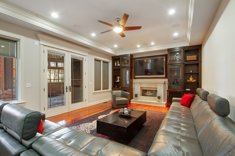 Real Estate Photography - 6455 N Sauganash Ave, Lincolnwood, IL, 60712 - Family Room