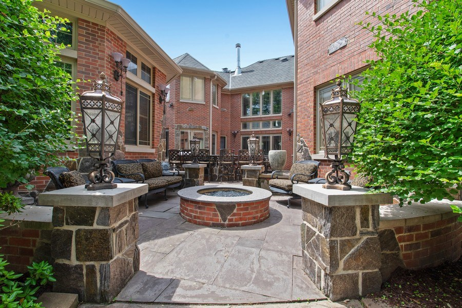 Real Estate Photography - 6455 N Sauganash Ave, Lincolnwood, IL, 60712 - Patio