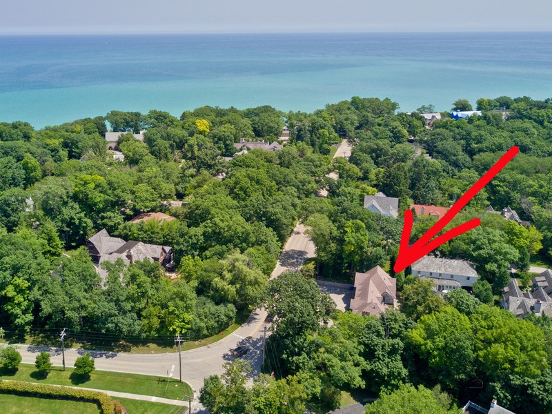 Real Estate Photography - 1024 Sheridan Rd, Highland Park, IL, 60035 -