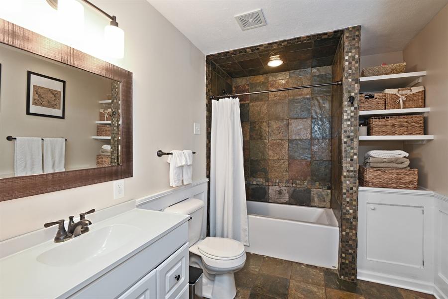 Real Estate Photography - 185 Hunter Dr, Benton Harbor, MI, 49022 - Bathroom