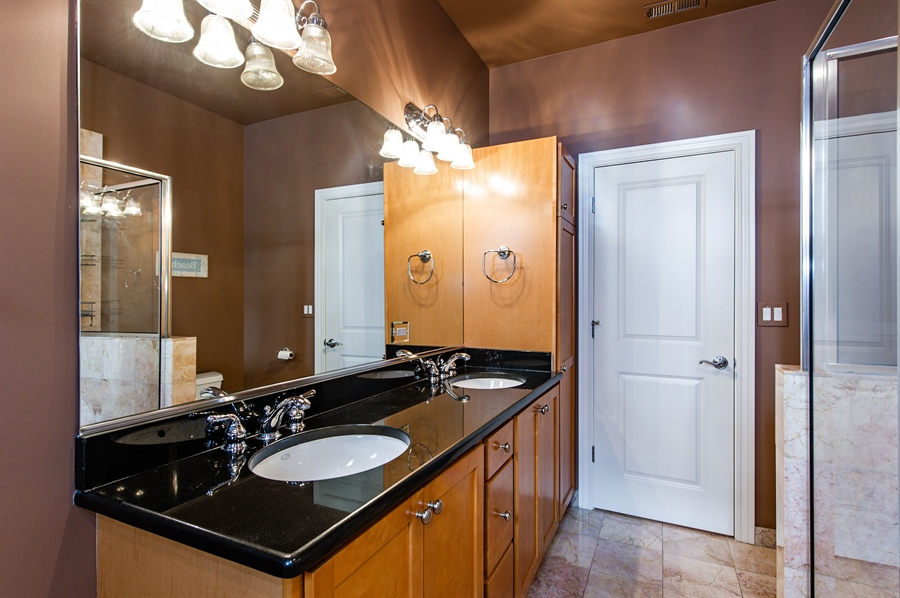Real Estate Photography - 4901 N Winthrop Ave, Chicago, IL, 60640 - 3rd Bathroom