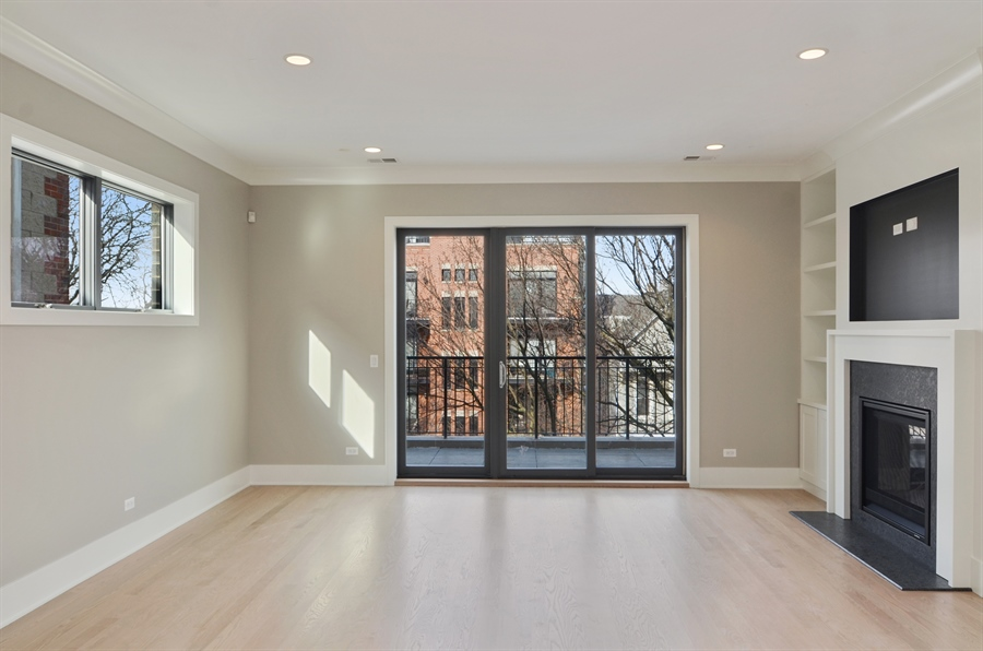 Real Estate Photography - 1731 W Roscoe St, Chicago, IL, 60657 - Living Room