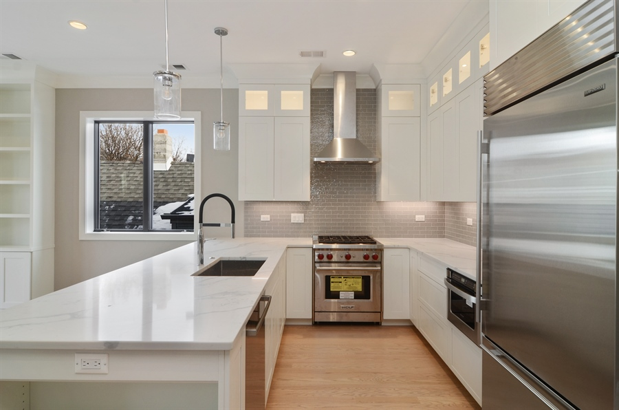Real Estate Photography - 1731 W Roscoe St, Chicago, IL, 60657 - Kitchen