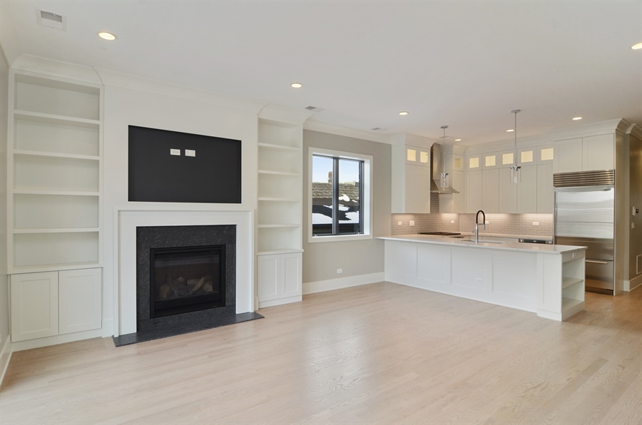 Real Estate Photography - 1731 W Roscoe St, Chicago, IL, 60657 - Kitchen / Living Room