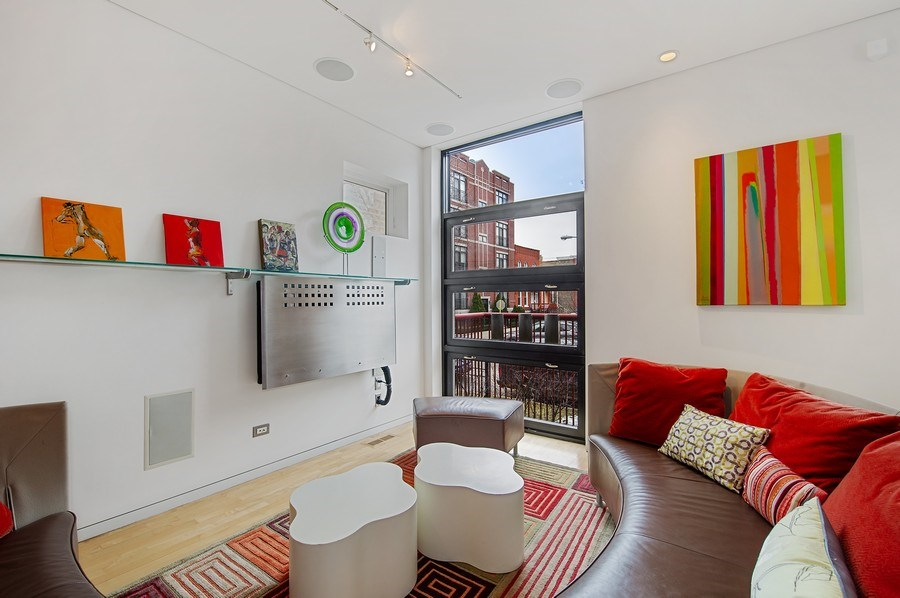 Real Estate Photography - 527 N Wood, Chicago, IL, 60622 - Living Room