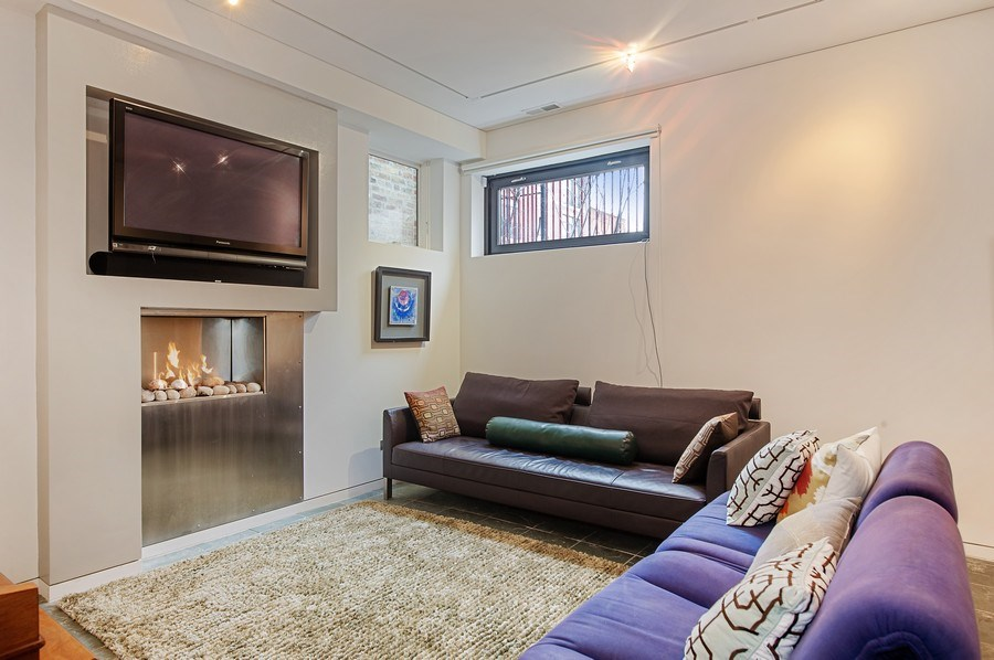 Real Estate Photography - 527 N Wood, Chicago, IL, 60622 - Family Room