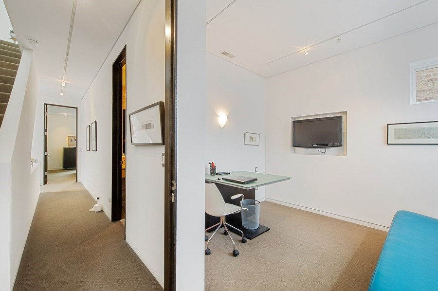 Real Estate Photography - 527 N Wood, Chicago, IL, 60622 - Hallway