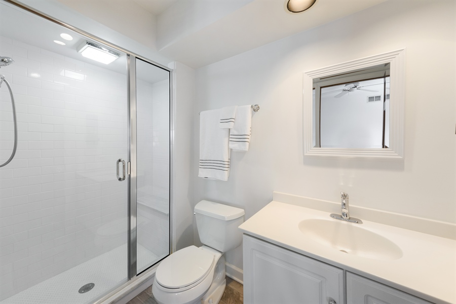 Real Estate Photography - 354 S Carlyle Place, Arlington Heights, IL, 60004 - 3rd Bathroom