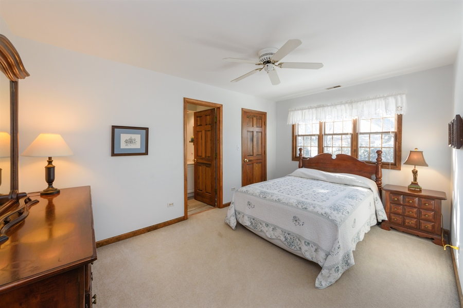 Real Estate Photography - 354 S Carlyle Place, Arlington Heights, IL, 60004 - Guest Bedroom