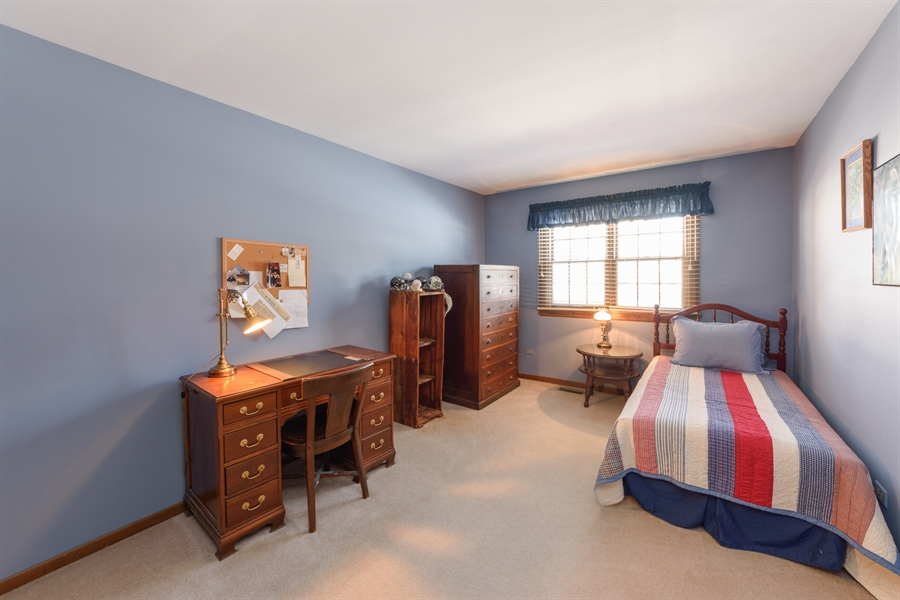 Real Estate Photography - 354 S Carlyle Place, Arlington Heights, IL, 60004 - 2nd Bedroom