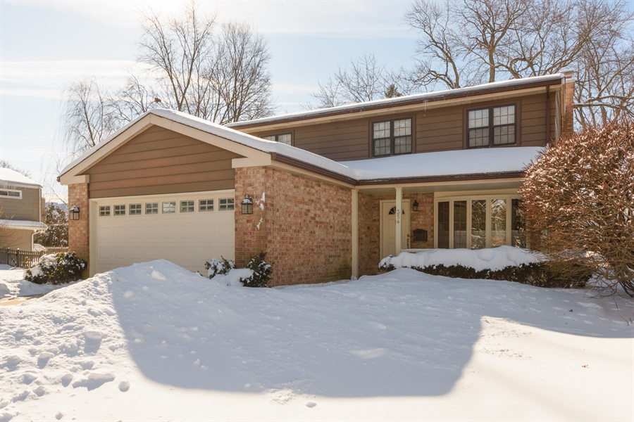Real Estate Photography - 354 S Carlyle Place, Arlington Heights, IL, 60004 - Front View