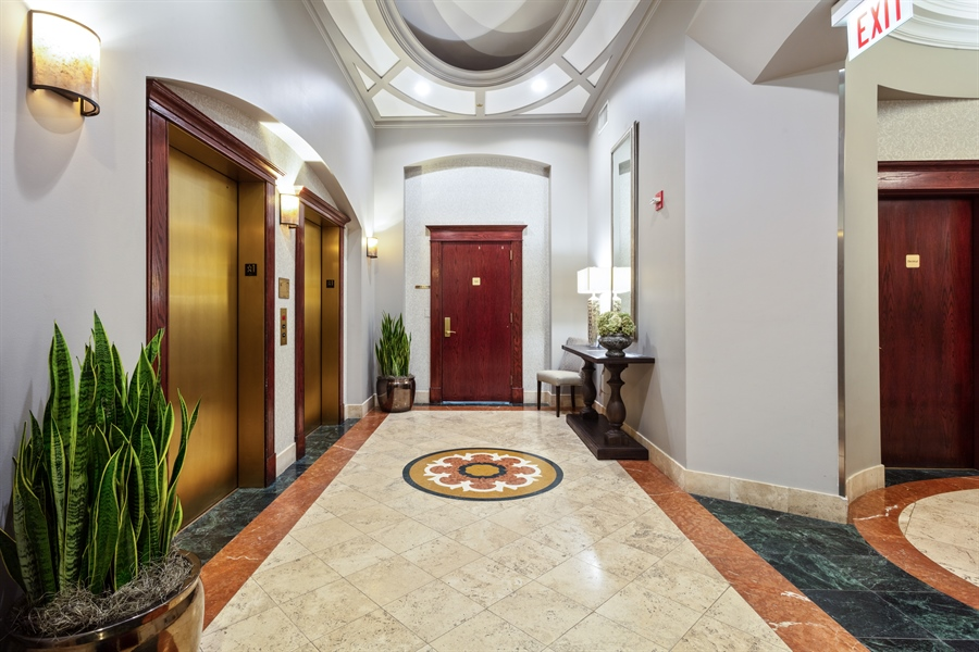 Real Estate Photography - 230 W Division, 1306, Chicago, IL, 60610 - Lobby