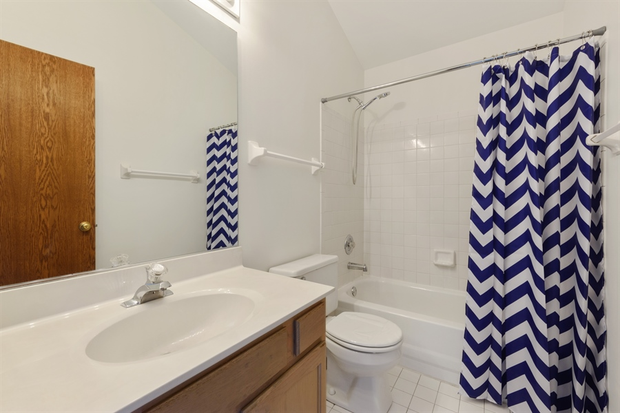 Real Estate Photography - 810 Ambria Ct, Mundelein, IL, 60060 - 3rd Bathroom