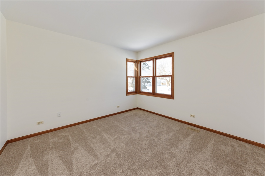 Real Estate Photography - 810 Ambria Ct, Mundelein, IL, 60060 - 2nd Bedroom