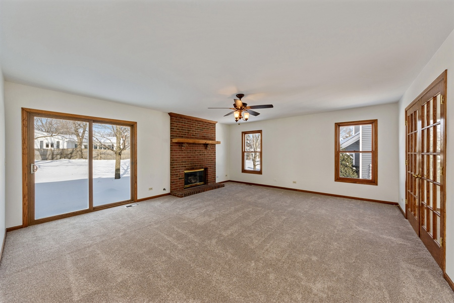 Real Estate Photography - 810 Ambria Ct, Mundelein, IL, 60060 - Family Room