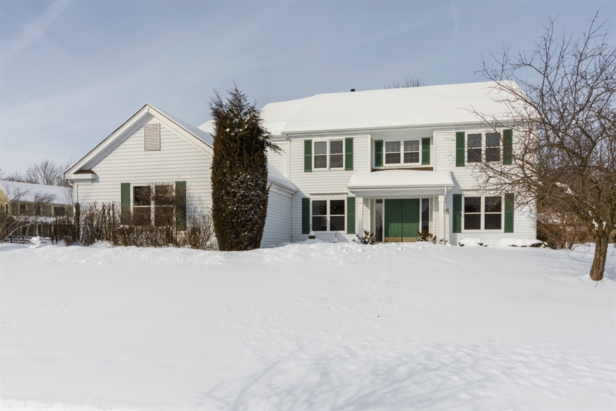 Real Estate Photography - 810 Ambria Ct, Mundelein, IL, 60060 - Front View