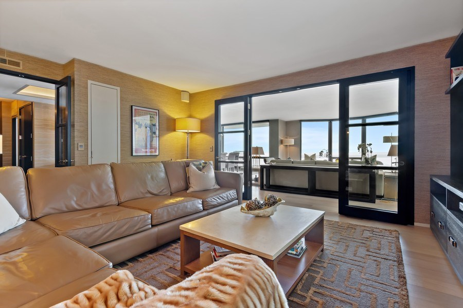 Real Estate Photography - 1040 Lake Shore Dr, Unit 15A, Chicago, IL, 60611 - Den /Third Bedroom