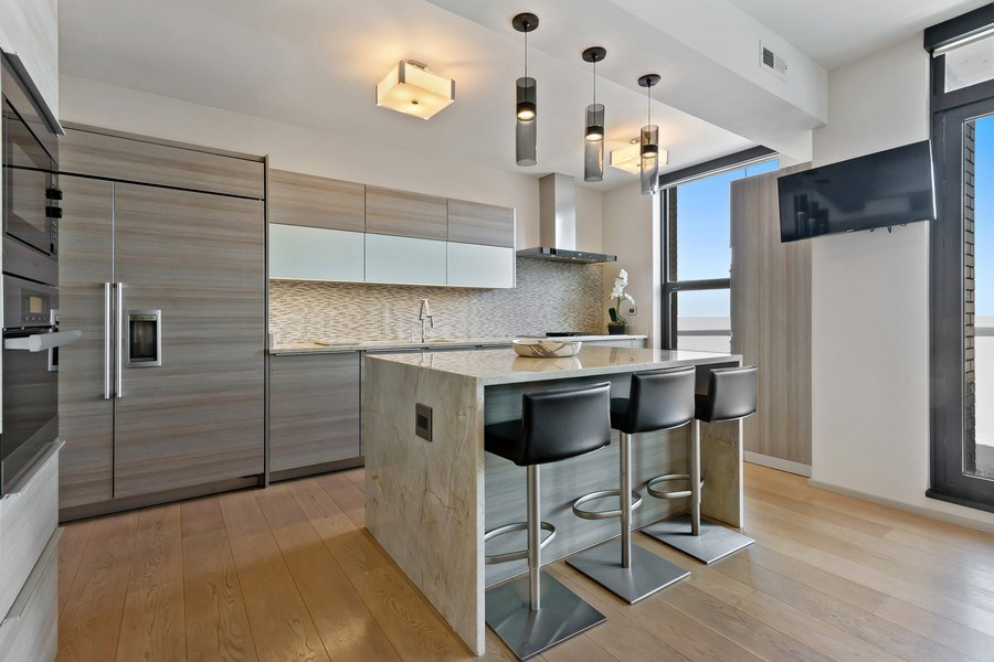 Real Estate Photography - 1040 Lake Shore Dr, Unit 15A, Chicago, IL, 60611 - Kitchen Breakkfast Bar