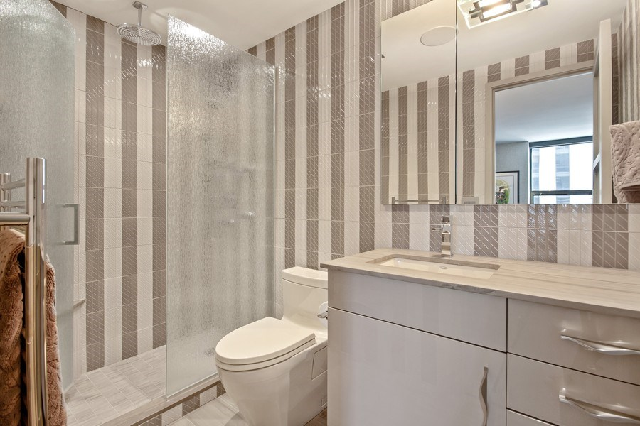 Real Estate Photography - 1040 Lake Shore Dr, Unit 15A, Chicago, IL, 60611 - 2nd Bathroom