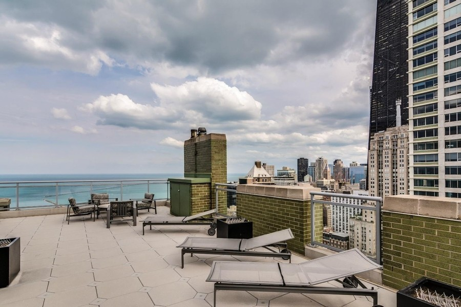 Real Estate Photography - 1040 Lake Shore Dr, Unit 15A, Chicago, IL, 60611 - Roof Top Sun Deck & Barbecue Area