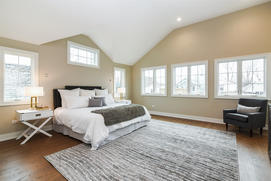 Real Estate Photography - 1927 W Oakdale Ave, Chicago, IL, 60657 - Master Bedroom
