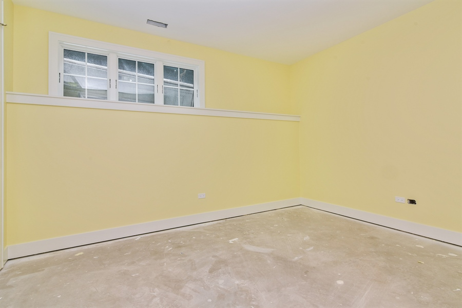 Real Estate Photography - 1927 W Oakdale Ave, Chicago, IL, 60657 - Bedroom 6/Office