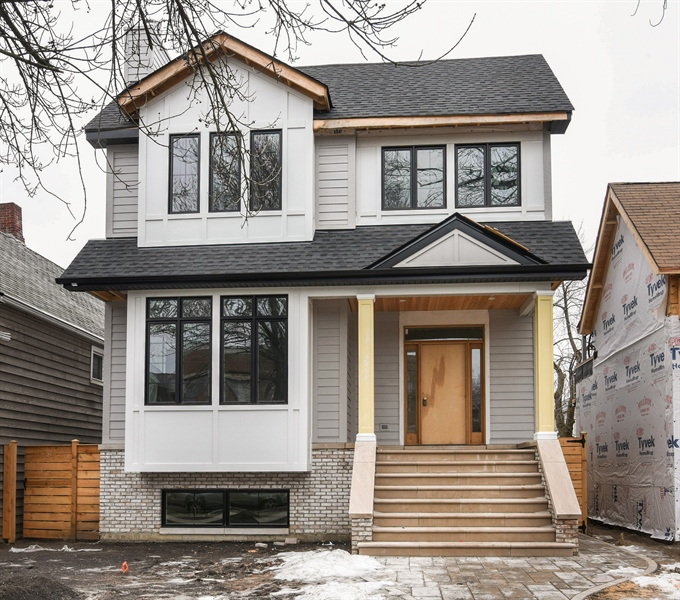 Real Estate Photography - 1927 W Oakdale Ave, Chicago, IL, 60657 - Front View